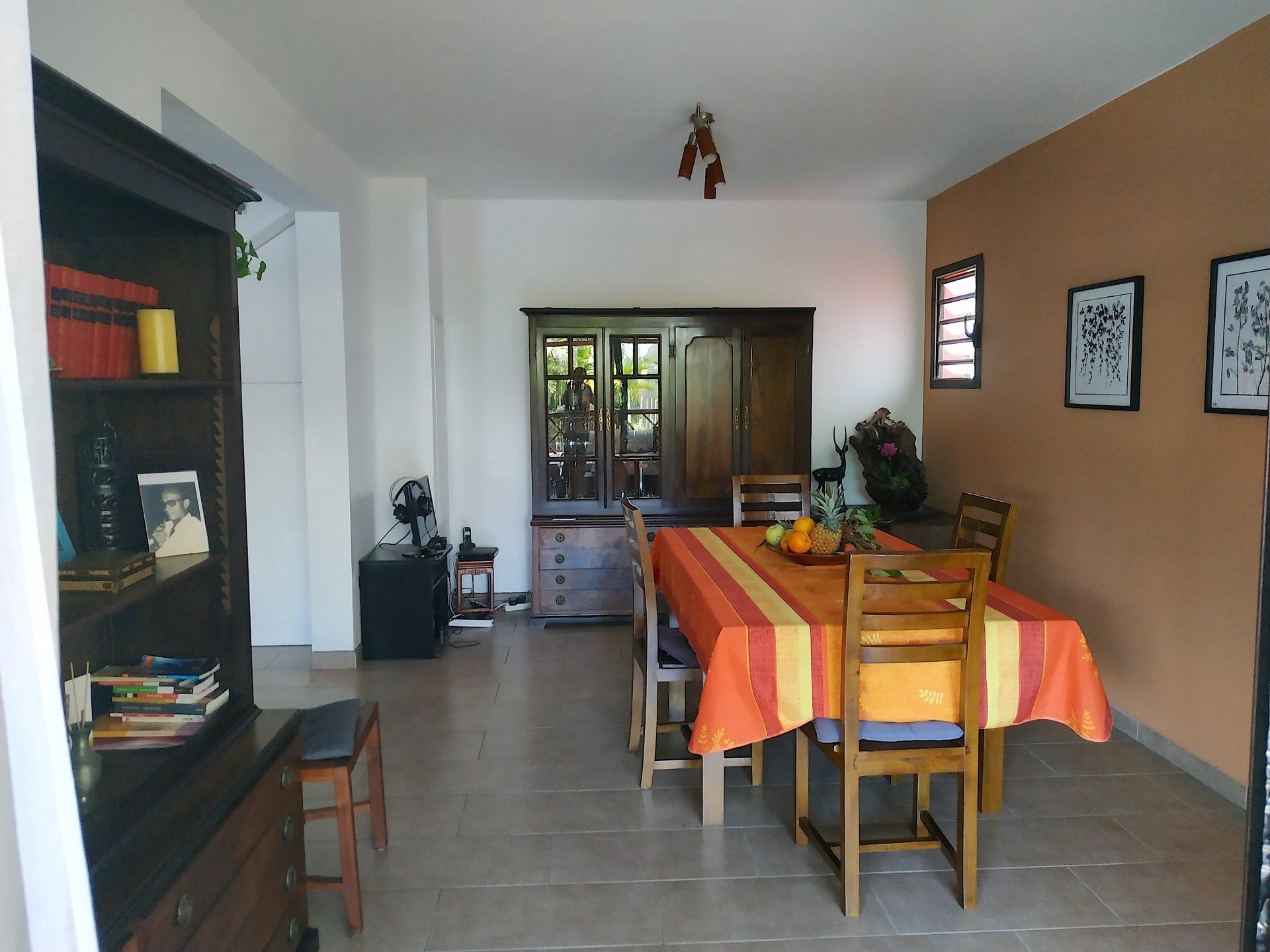 Maison-Villa - TERRE STE